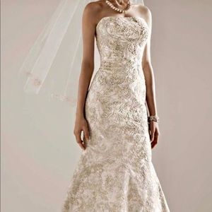 The perfect Fall wedding gown!